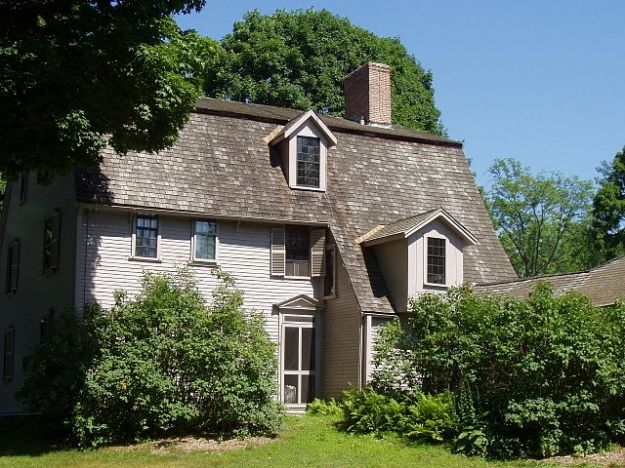The Old Manse, Emerson's house in Concord, where Thoreau lived both before and after his residence at Walden Pond. (And later it was Nathaniel Hawthorne's home.) Wikimedia Commons