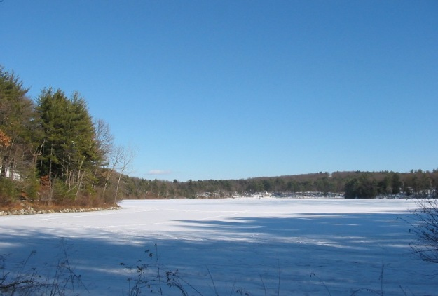Walden Pond winter 2005. Wikimedia Commons